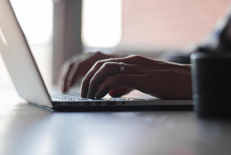 Contacte con i-Legal completando este formulario | i-Legal bufete jurídico tecnológico
